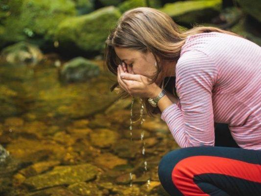 Tìm hiểu thêm các cách lọc nước đơn giản để tốt cho sức khỏe