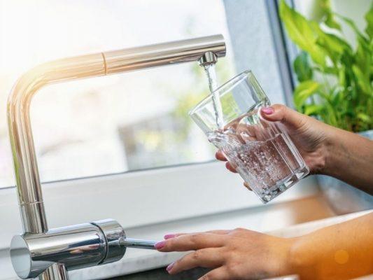 15 lợi ích của nước uống mà bạn nên biết
